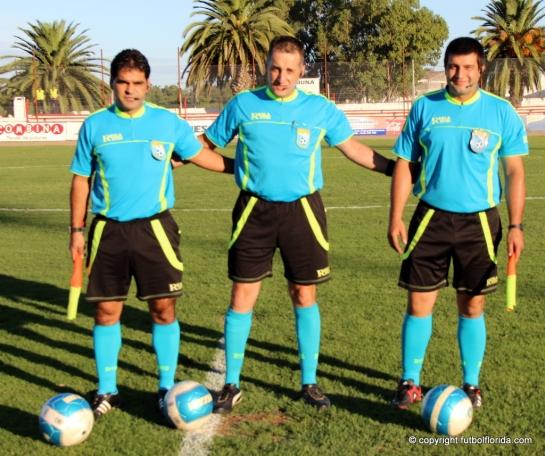 Raul Bonilla -al centro- será el árbitro de la Final sub 15. Buena suerte!!