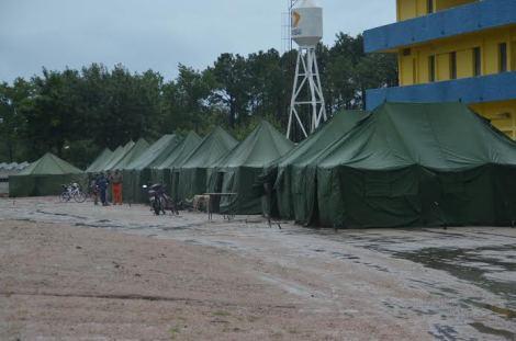 Frente al S.O.L se encuentran los evacuados en Durazno. Fotos de Victor D Rodriguez