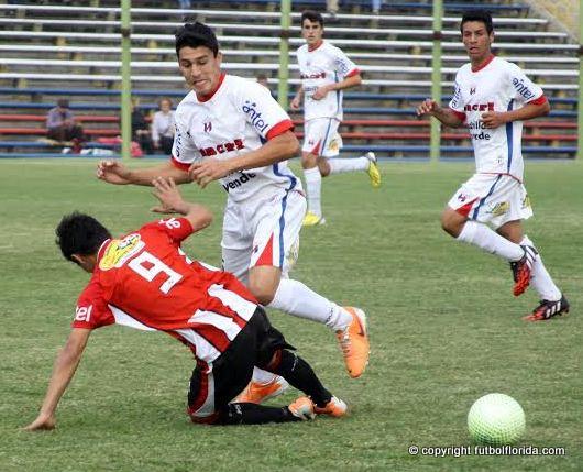 Paysandú derrotó a Salto en el clásico del Litoral en Sub 15.Foto Miguel Castagnaro