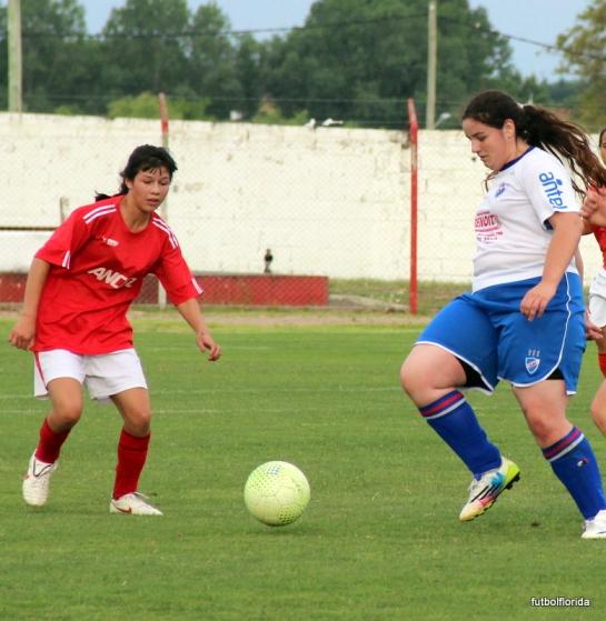 Valeria Devitta marcó 5 goles para la goleada tricolor. Foto Fanny Ruetalo