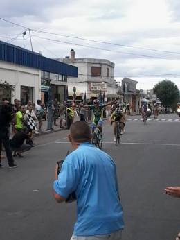La Vuelta de la Juventud arribo a Florida con victoriaBrasileña