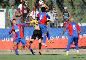 San Lorenzo derrotó a Peñarol y se subió a la cima del torneo