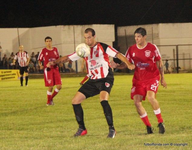 Vazquez el gol de la victoria en Durzano. Foto Fanny Ruetalo