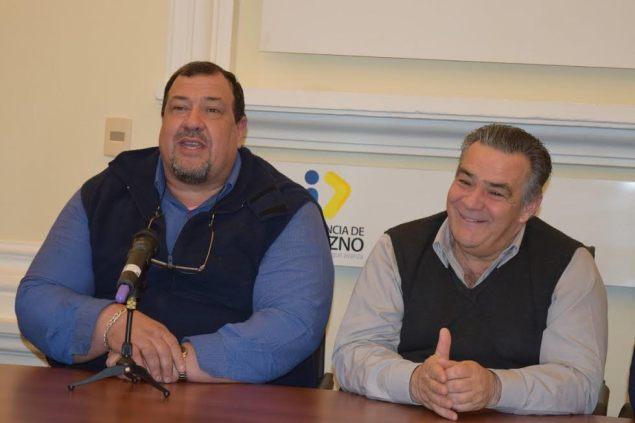Nestor Torres junto al Intendente Vidalín. Foto Victor D Rodriguez