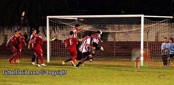 El gol del empate de Florida en los 5´de descuentos. Foto Fanny Ruetalo