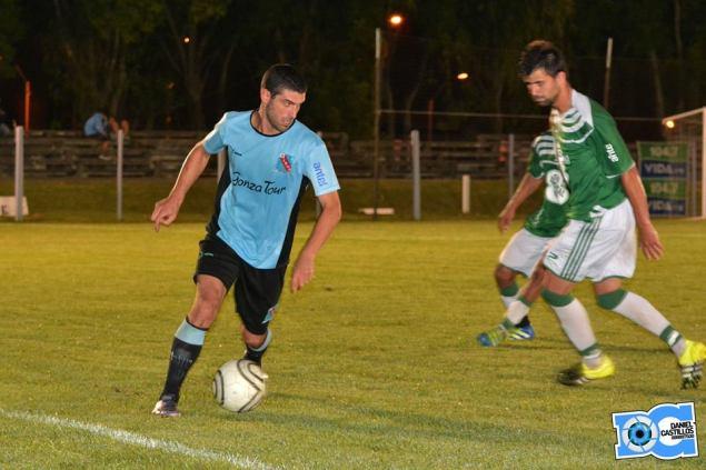 Matías Pereyra convirtió dos goles para el triunfo celeste (Foto: Daniel Castillos)
