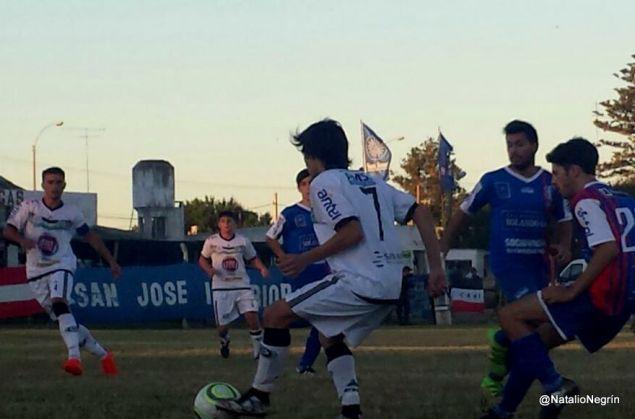 San José Interior en Sub 18 ganó y quedó en las puertas de la clasificación