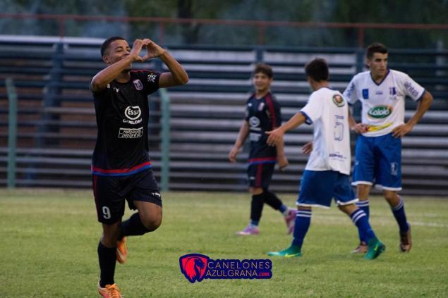 Franco Rossi marcó 4 goles en la Goleada y Clasificación de Canelones. Foto Canelones Azulgrana