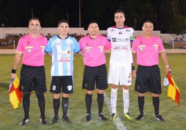 Fernando Lopez, asistentes y capitanes. Foto Ramón Mesias de Paydeportes.com