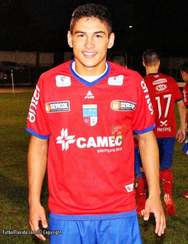 Emiliano Villar metió 4 y es el goleador del interior. Foto Fanny Ruetalo