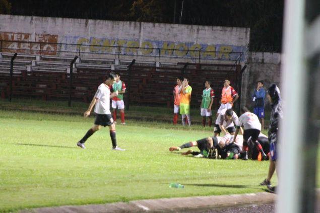 Festejo del gol salteño. Tacuarembó 0 Salto 1 Foto Miguel Castagnaro