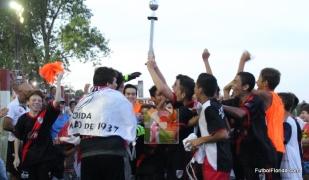 River levanta la copa de campeón Promocional Sub 15