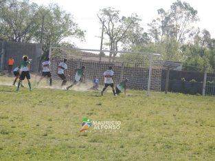 Entre la polvadera, Ruben Tabárez puso el 1 - 0 de Asencio ante Con Los Mismos Colores, el militar quiere quedarse en primera la tiene brava
