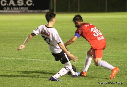 Nicolás Pons regresa tras el partido de pena.